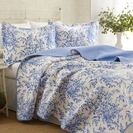 Bedford Quilt Set in Blue