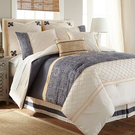 Lyra Comforter Set