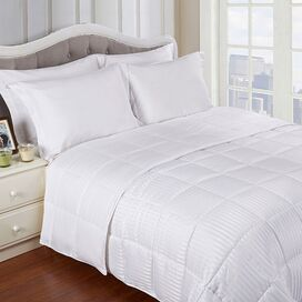 Reversible Comforter in White