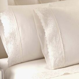 250 Thread Count Egyptian Cotton Sheet Set in White