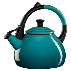 Le Creuset 1.9-Quart Oolong Tea Kettle in Caribbean