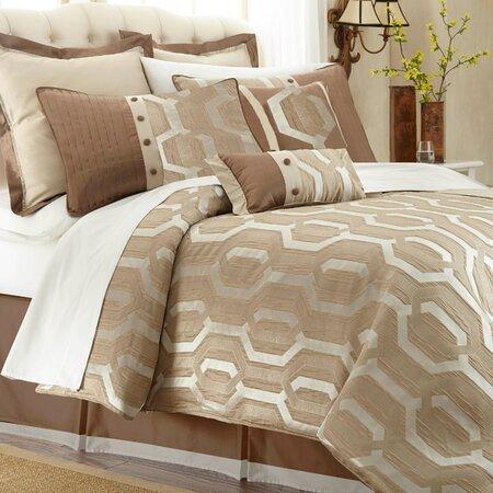 Laken Comforter Set