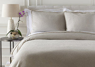 Smooth & Simple Bedding